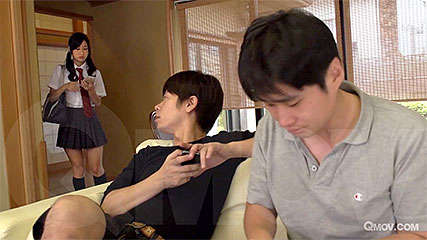 Suzu Ichinose gets a mouthful of cum and pussy toyed
