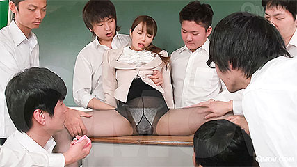 Miku Ohashi enjoys as her students play with her cunt