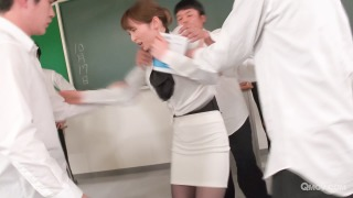 Miku Ohashi the slutty teacher sucks her students' cocks pic #4