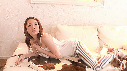 Reon Otowa quenches her vagina's thirst for manly love juice